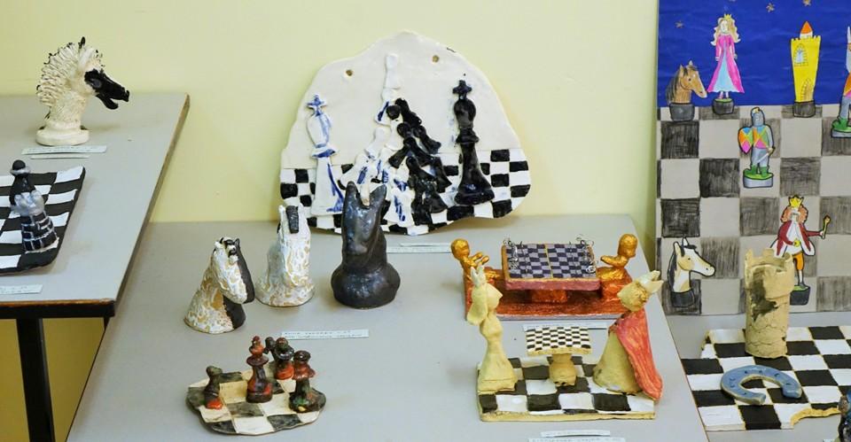 wystawa pokonkursowa, KRÓLEWSKA GRA, SZACHY dla dzieci, MDK Śródmieście Wrocław, listopad 2015, Fot. Wojciech Zawadzki, interaktywny podręcznik szachowy, piękno szachów,