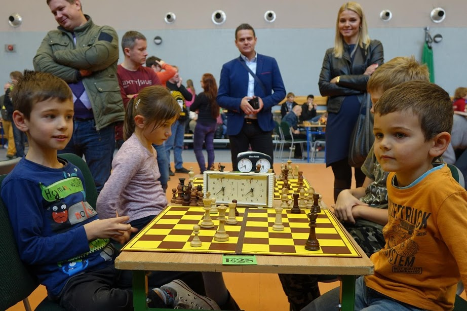 szachy Kongres Zukertorta Wrocław hetman wieża mat zegar szachownica dzieci