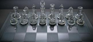 Białe bierki, szklane szachy, Kacper Frydlewicz, Interaktywny Podręcznik Szachowy, Gimnazjum nr 13 we Wrocławiu,