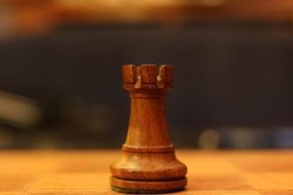 wieża, szachy dla dzieci, zdjęcie, pixabay, figura szachowa, szachownica, lekcje szachowe, piękno w szachach, interaktywny podręcznik szachowy,