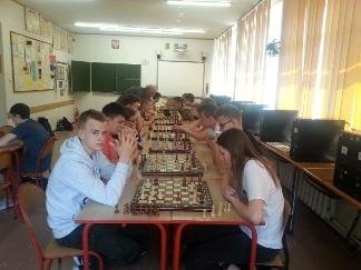 1 szkolny turniej szachowy o puchar dyrektora gimnazjum nr 2 w namysłowie, 22 maja 2017, szkoła podstawowa nr 2 w namysłowie, szachy w szkole,