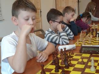 zdobyty hetman, turniej szachowy, zdjęcie Anna Domaradzka-Żyła, Lewin Kłodzki, obóz zimowy sekcji szachowej MUKS MDK Śródmieście Wrocław, 13-20.01.2018,
