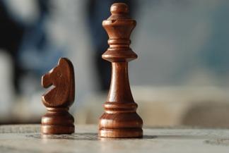 skoczek, hetman, szachy dla dzieci, interaktywny podręcznik szachowy, pixabay, lekcje szachowe, piękno szachów,