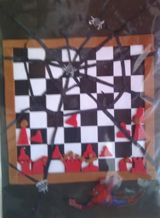 konkurs plastyczny, bajkowy świat szachów, miesięcznik mat, edukacja przez szachy w szkole, polski związek szachowy, rysunek, praca plastyczna, kurs interaktywny szachydzieciom.pl, szachownica, partia szachowa, spiderman, pająki, pajęczyny, wiązania, zugzwang,