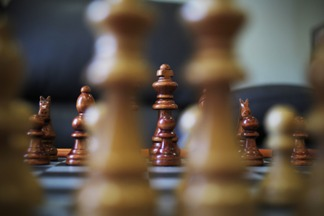 pozycja wyjściowa, przed bitwą, bierki szachowe, szachownica,