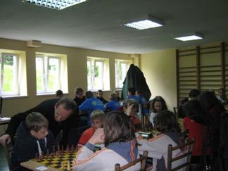 Drużyna Zespołu Szkół nr 9 we Wrocławiu: Szymon Kulaś, Adrian Gajdamowicz, Krzysztof Szymczak, Aleksandra Żółkiewska, Robert Korpalski (opiekun), Karpacz 2010.