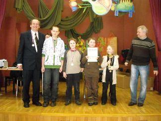 Szkoła Podstawowa nr 91 we Wrocławiu, 1 miejsce, Robert Korpalski (opiekun), Szymon Brzechffa, Maciej Korpalski, Adam Woźniak, Zofia Frej, Bogusław Szymczak (organizator), MDK Śródmieście Wrocław, 15.03.2010.