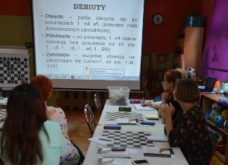 Zajęcia szkoleniowe z nauczycielkami prowadzi Olga Lisowska