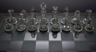 Bierki szachowe. Zdjęcie Kacpra Frydlewicza - ucznia Gimnazjum nr 13 im. Unii Europejskiej we Wrocławiu.