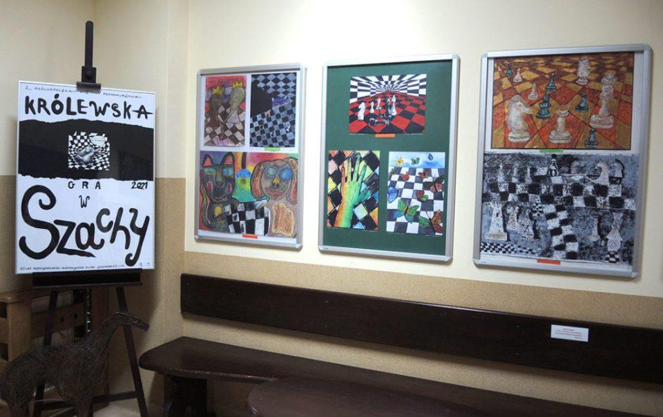 """2 Ogólnopolska Wystawa Pokonkursowa """"Królewska gra w szachy"""" 2021. Zdjęcie - Anna Szuleszko."""